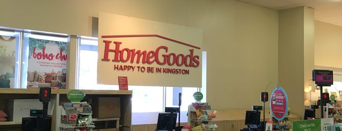 HomeGoods is one of Lieux qui ont plu à Erik.