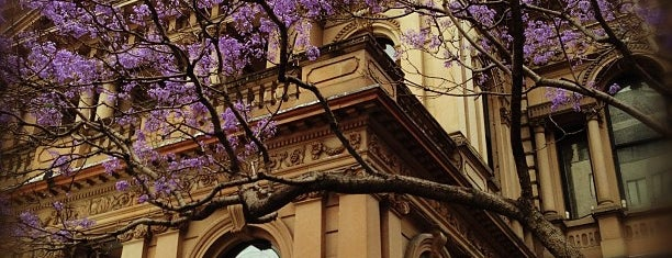 Sydney Town Hall is one of Lugares favoritos de Marcus.
