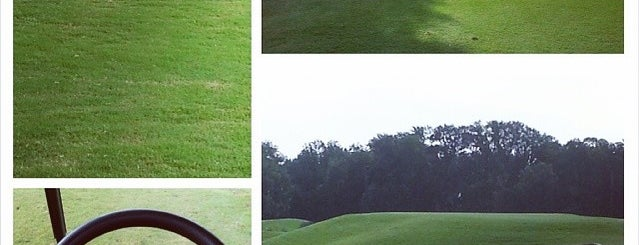 Country View Golf Club is one of Orte, die John gefallen.