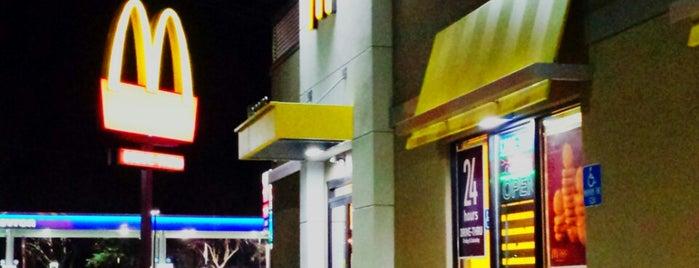 McDonald's is one of Melanie : понравившиеся места.