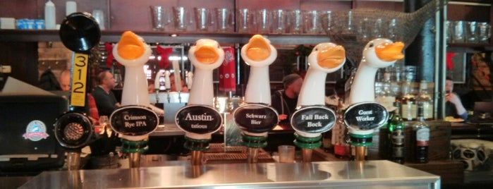 Goose Island Brewpub is one of Breweries USA.