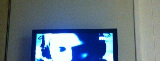 TV HOME is one of Locais curtidos por Zahlouth.