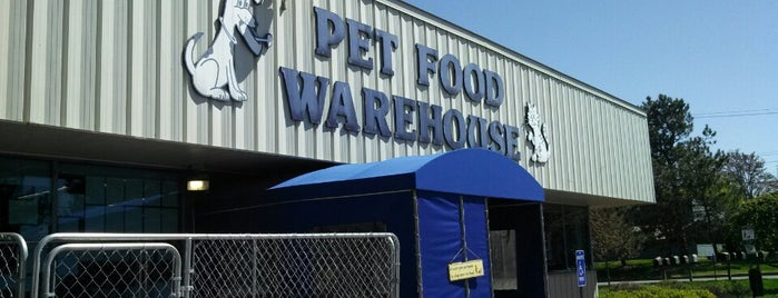 Pet Food Warehouse is one of Jamieさんのお気に入りスポット.