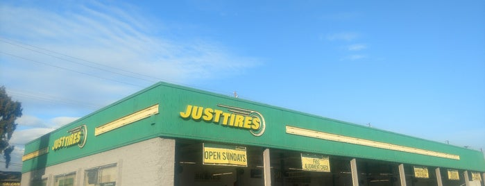 Just Tires is one of Mo's Liked Places.