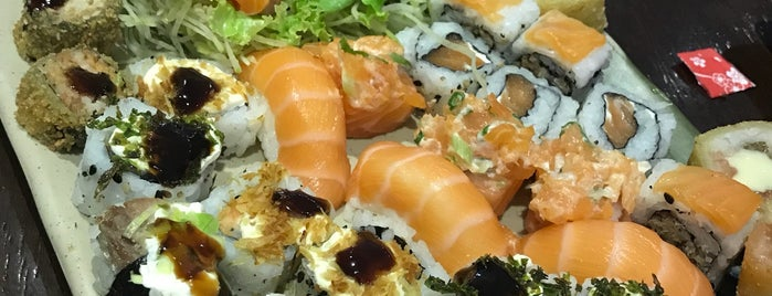 Hiroki Sushi is one of สถานที่ที่ Tatiana ถูกใจ.