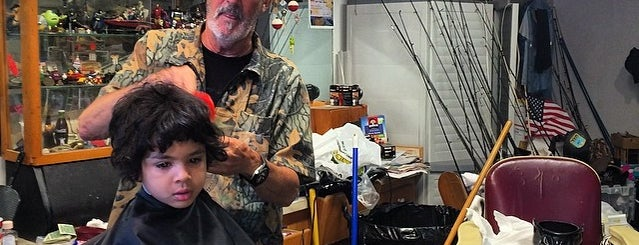 Five Points Barber Shop is one of Cash Only.