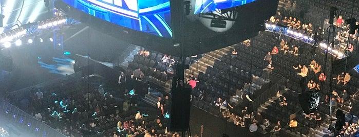 T-Mobile Arena is one of Locais curtidos por Stephanie.