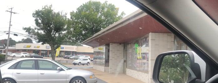 Wakefield Liquors Inc is one of สถานที่ที่ John ถูกใจ.