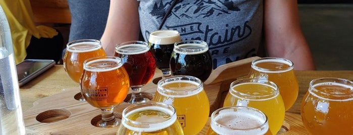 Mountain Tap Brewery is one of Steamboat Springs.