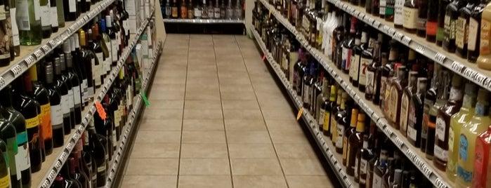 Grand Marais Municipal Liquor Store is one of North Shore mini moon.
