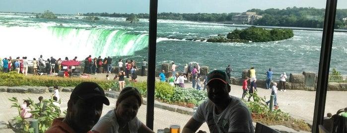 Elements on the Falls is one of Posti che sono piaciuti a Valerie.