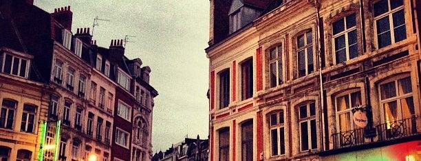 Hôtel Up is one of Lugares favoritos de Dustin.
