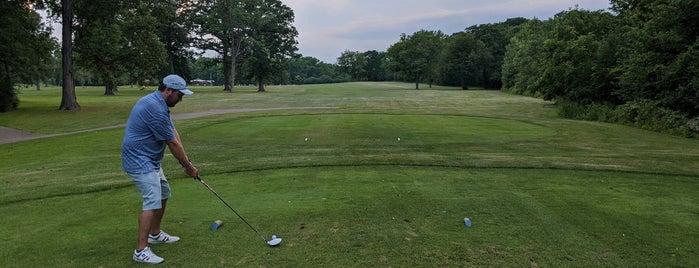 Chick Evans Golf Course is one of Lugares guardados de Kyle.