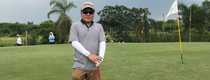 Northern Rangsit Golf Club is one of Pravit'in Beğendiği Mekanlar.