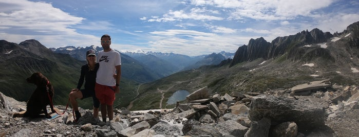 Schneehüenerstock (2773 m) is one of SkiArena Andermatt Sedrun.