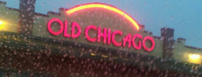 Old Chicago is one of Tempat yang Disimpan Doug.