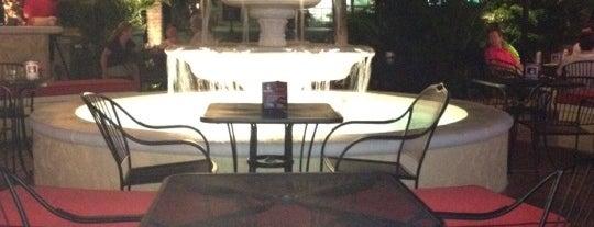 Fountain Square Corner Bar is one of สถานที่ที่ Clarissa ถูกใจ.