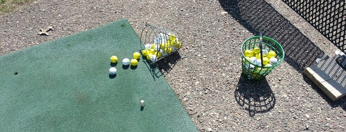 Valleywood Golf Course is one of Locais curtidos por Jim.
