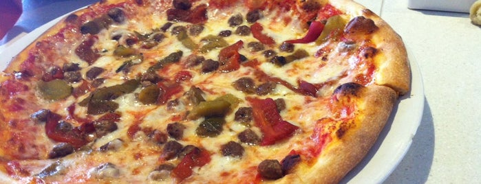 Pagliacci's New York Pizzeria is one of Lugares favoritos de Sorin.