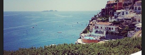 Le Sirenuse Hotel is one of Positano.