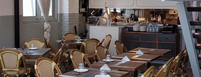 The Gorgeous Kitchen & Pub is one of Yaxaiira'nın Beğendiği Mekanlar.