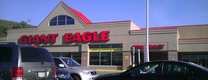 Giant Eagle Supermarket is one of Places I go.