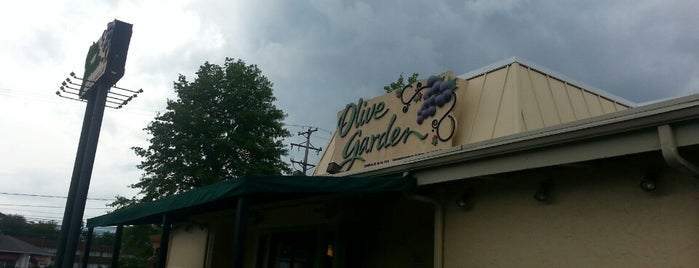 Olive Garden is one of Locais curtidos por Stephanie.