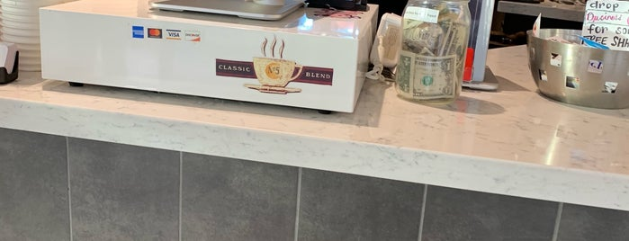 Fillmore Coffee Co. is one of Locais curtidos por Mindy.
