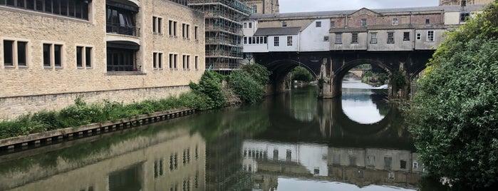 Pulteney Bridge Flowers is one of Lieux qui ont plu à Carl.
