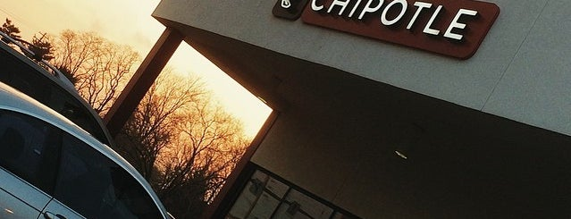 Chipotle Mexican Grill is one of Julie 님이 좋아한 장소.