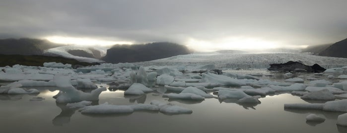 Fjallsárlón Glacier Lagoon is one of สถานที่ที่ Erik ถูกใจ.