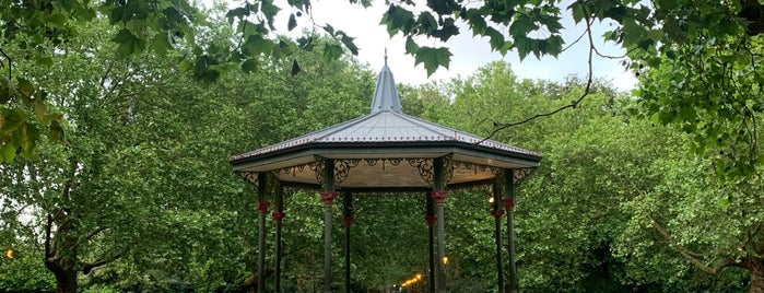Battersea Park Bandstand is one of 🐸Natasaさんのお気に入りスポット.