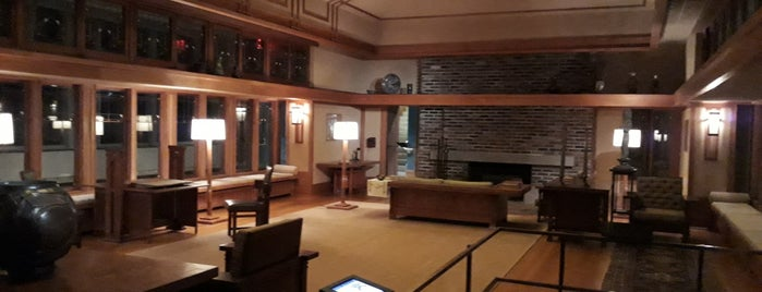 The Frank Lloyd Wright Room is one of Gespeicherte Orte von Lizzie.
