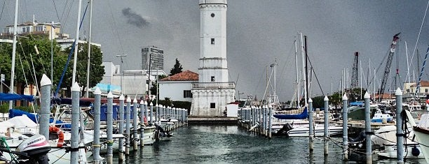 Faro di Rimini is one of Rimini.