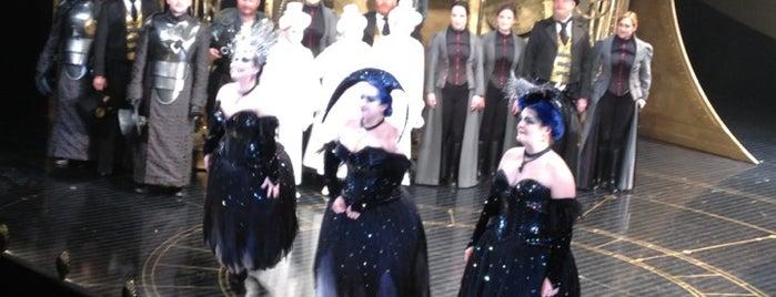 Scottish Opera is one of Tempat yang Disimpan Ian.