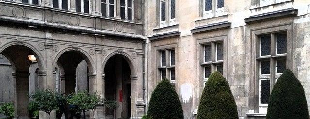 """Musée Carnavalet is one of Le parcours """"Pass Jeunes""""."""