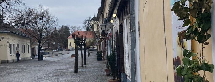 Édeni édességek csokibolt is one of Szentendre.