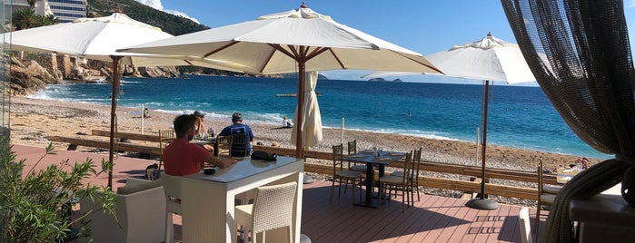 BanjeBeach Restaurant is one of Lieux sauvegardés par Susie.