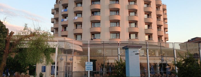 Otel Akçakoca & SPA is one of Locais salvos de Mehmet.