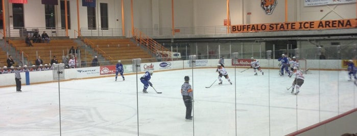 SUNY Buffalo State Ice Arena is one of Lizzieさんの保存済みスポット.