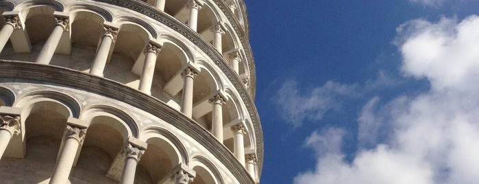 Torre de Pisa is one of Locais curtidos por Alan.