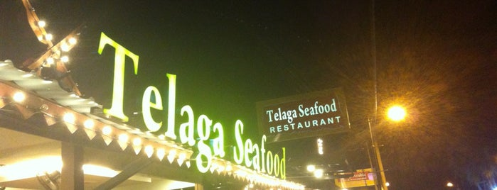 Telaga Seafood Restaurant is one of Orte, die Andrea gefallen.