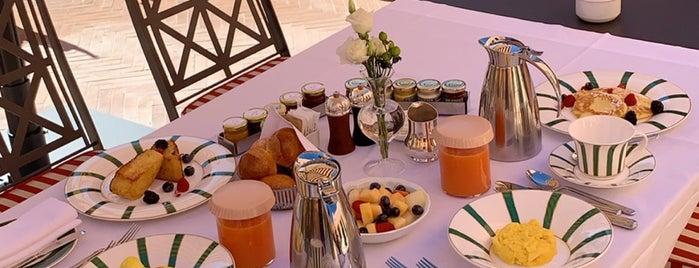 Hotel De La Ville is one of 🇮🇹Italian (2)🍕🍝.