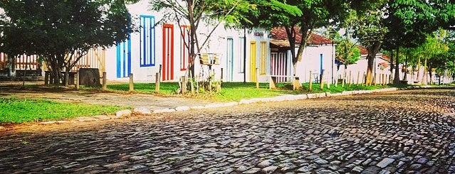 Centro Histórico de Pirenópolis is one of Pontos turísticos.