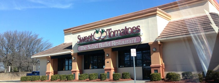Sweet Tomatoes is one of Locais curtidos por Donna.