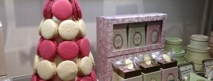 Ladurée is one of Lugares favoritos de mary.