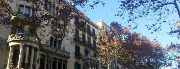 Manzana de la Discordia is one of Lugares favoritos de Alberto J S.