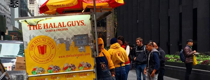 The Halal Guys is one of Lieux qui ont plu à Ha.