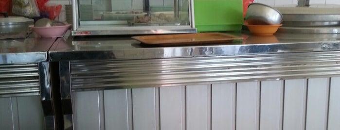 Bakwan Kapasari is one of The most favorite foods in Surabaya.