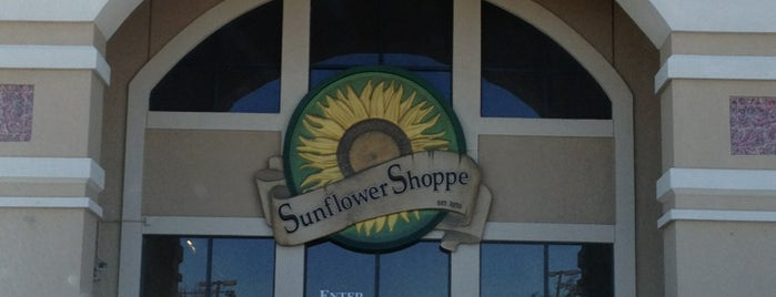 Sunflower Shoppe Vitamins & Natural Foods is one of Tempat yang Disukai KATIE.